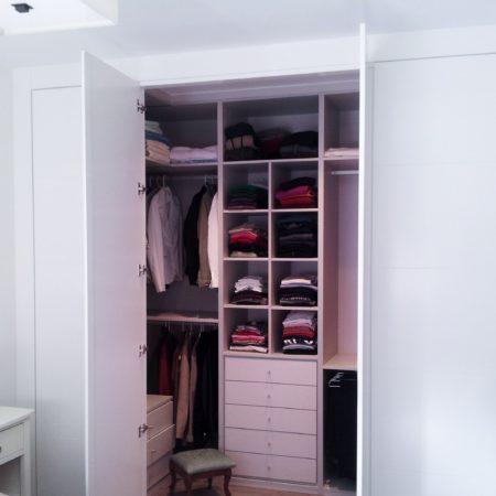 Dise o fabricaci n e instalaci n de vestidores a medida en burgos armarios spacio - Armarios empotrados burgos ...